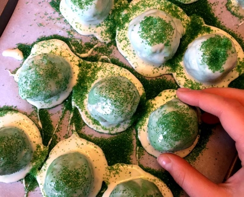 St Patrick's Day Green Cake Pops Truffles